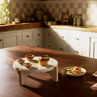 White Marble Cake Stand With Wooden Base